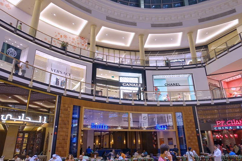 Mall of Emirates top 5 shopping malls in Dubai.